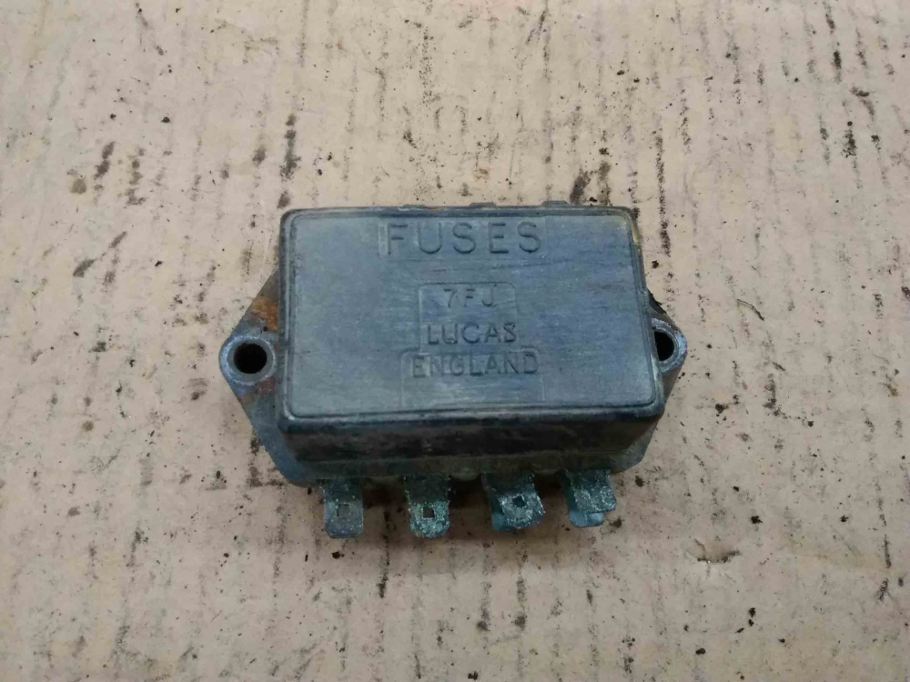 MG MGB Lucas 7FJ Fuse Box 7 71 37552 TRIUMPH MG JAGUAR