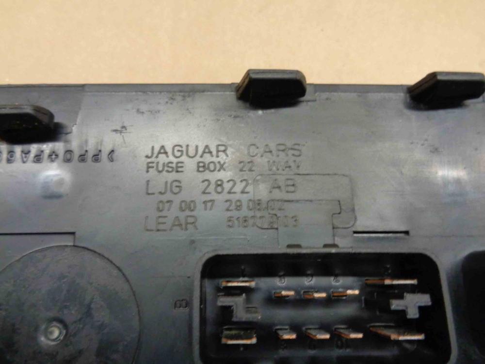 Jaguar Xk8 Xkr 2003 06 Fuse Box 22 Way Ljg2822ab Oem Ebay We Buy Classic Cars